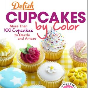 COOKBOOK Delish Cupcakes by Color